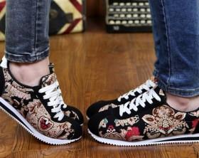 Las zapatillas siguen de moda esta temporada