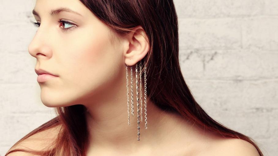 Pendiente Ear Cuff con colgantes