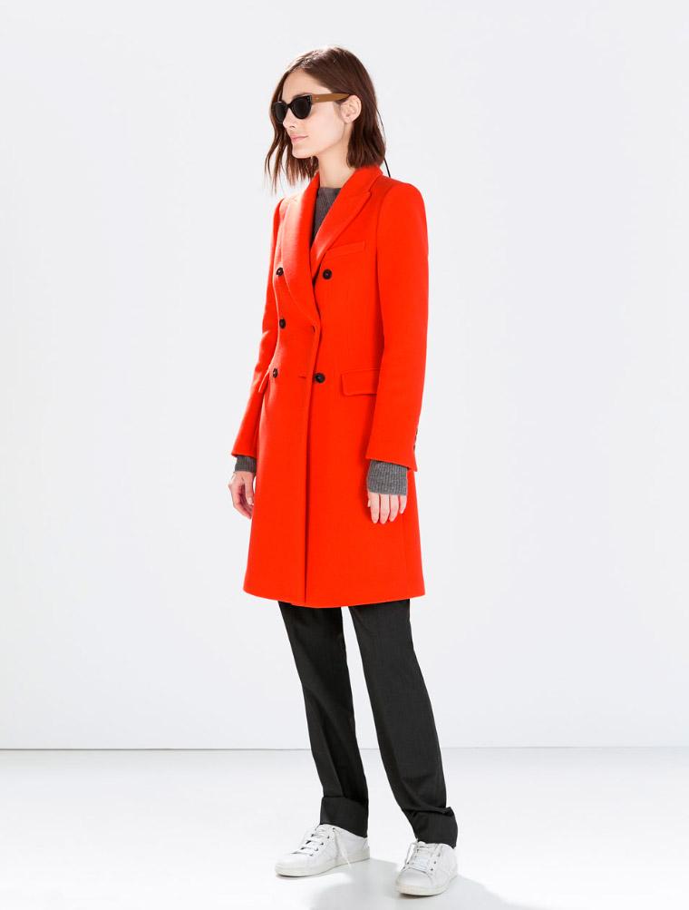 Abrigo de doble abotonadura rojo vitaminado Zara