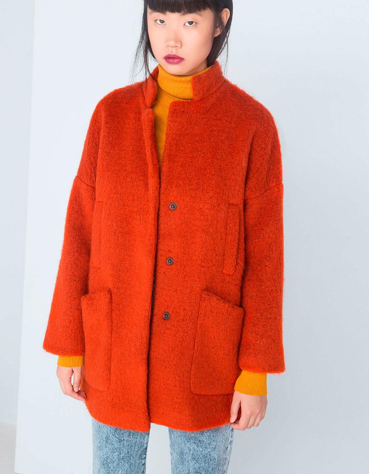 Abrigo lanero naranja vibrante de cuello mao
