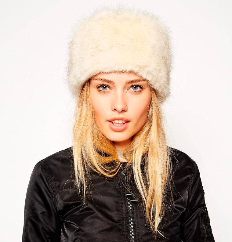 Sombrero ruso con ribete de piel sintética