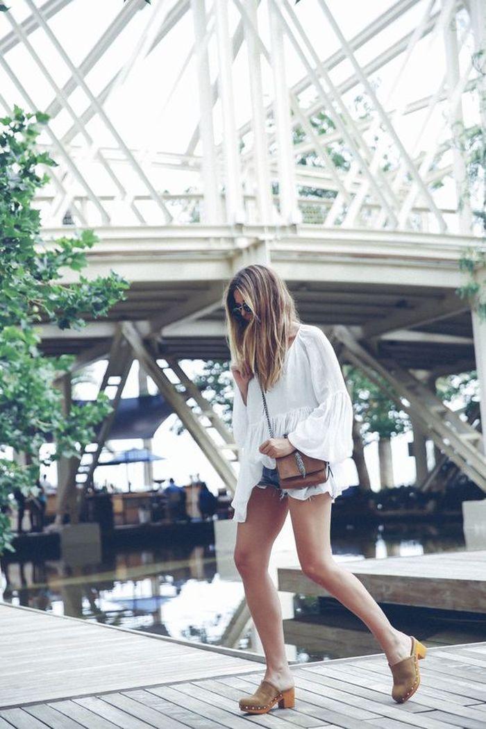 Zuecos con shorts